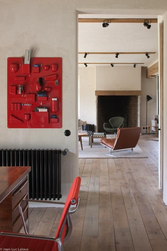 Splashes of red add interest to a home office  #designer #architect #interiordesign #colour #interiors #trends