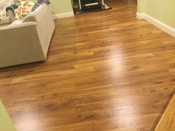 A Beautiful Hickory Laminate In This Living Room City Scapeslaminate Flooring