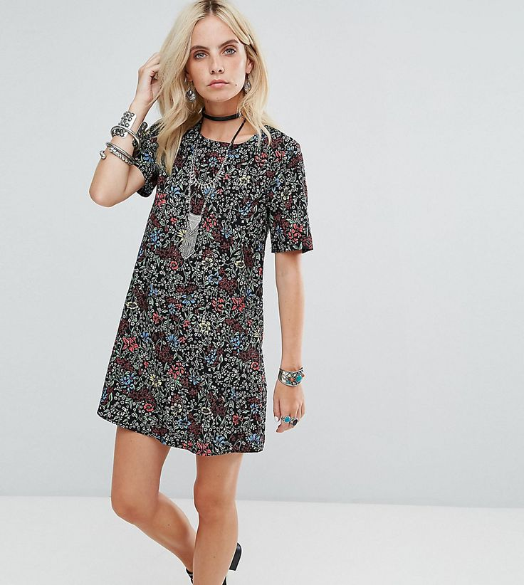 Get this Glamorous Petite's casual dress now! Click for more details. Worldwide shipping. Glamorous Petite Tea Dress In Grunge Floral - Black: Petite dress by Glamorous Petite, Lightweight woven fabric, Floral print, Round neck, Regular fit - true to size, Machine wash, 100% Viscose, Our model wears a UK XS/EU 36/US 4 and is 163cm/5'4 tall. Glamorous pulls together an eclectic mix of vintage influences and brand new trends. Glamorous Petite brings us the same fashion-led pieces as their…
