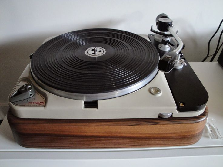 les 25 meilleures id es de la cat gorie platine vinyle thorens sur pinterest platine thorens. Black Bedroom Furniture Sets. Home Design Ideas