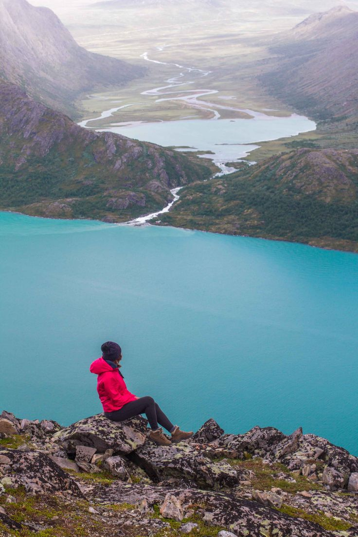 The best hikes in Europe I made it so far: a guide to Besseggen, Norway. Travel | photography | wanderlust | outdoors