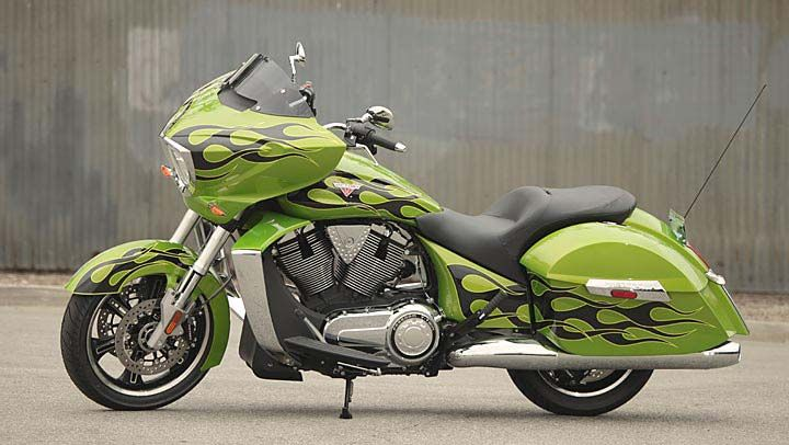 2013 Victory Cross Country Motorcycle : Photos
