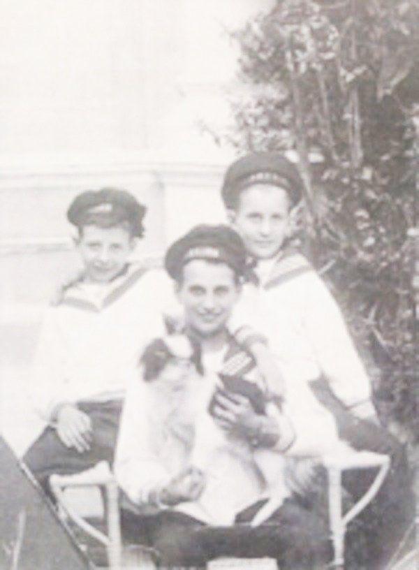 Дети Св. князя Александра Николаевича Лопухина – Демидова (слева Сергей, Николай, Александр