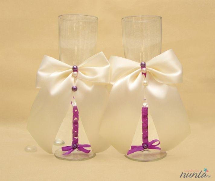 Set pahare miri cu funda crem si perle
