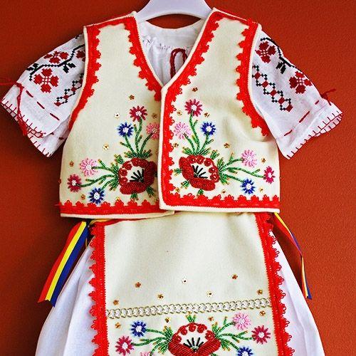 Costum popular fetita - model 2