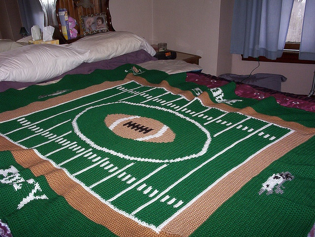Football Fever Pattern By Lion Brand Yarn Shit To Knit