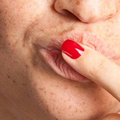Schnell & günstig: Dieses Mittel hilft sofort gegen raue Lippen!   BRIGITTE.de
