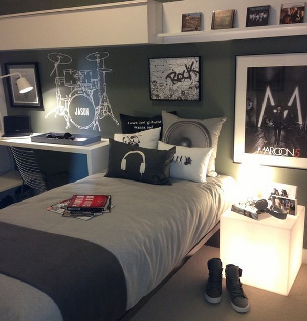 10 Teenage Boys Music Bedrooms   http   www decorazilla com. Best 25  Music bedroom ideas on Pinterest   Teenage room  Boy