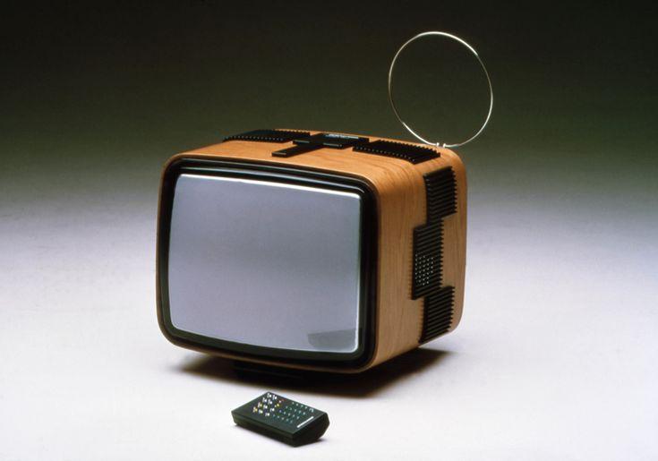 Bellini  niente più televisione nello spigolo buio della stanza
