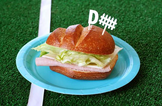 Or, cut a mini fence out of our border punch for a fun, sports-themed sandwich! www.fiskars.com