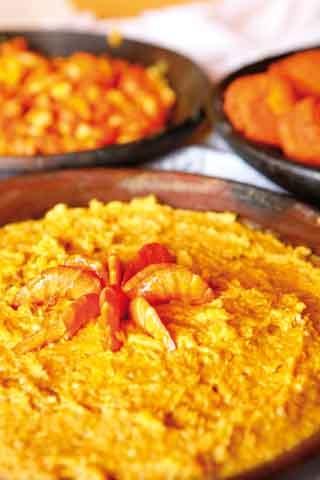 Vatapá is a delicious shrimp dish with a rich cashew peanut sauce.