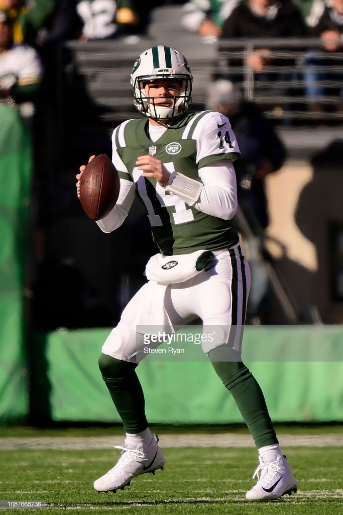 Sam Darnold Of The New York Jets Looks To Pass Against The