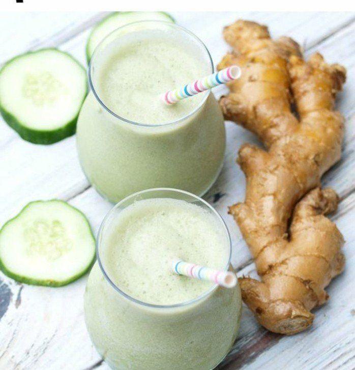 régime smoothie anti ballonnement, un smoothie aux bananes, concombres, gingembre et eau de noix de coco