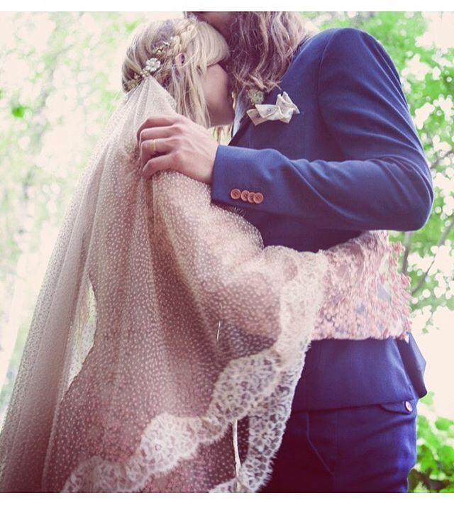 First ever made Wild Spirit Lovers veil for Emmas own wedding  Photo: Rebecca Miana #veil #bohemianveil #bohemianbride #vintagebride #vintagewedding #vintageveil #weddingveil #bohemianwedding #bride #wildspiritlovers