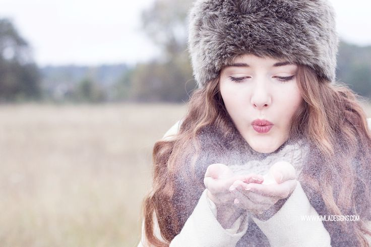 KIMLA DESIGNS - Blog: Winter Wonderland Free PS Tutorial adding a textures and Snow overlays.