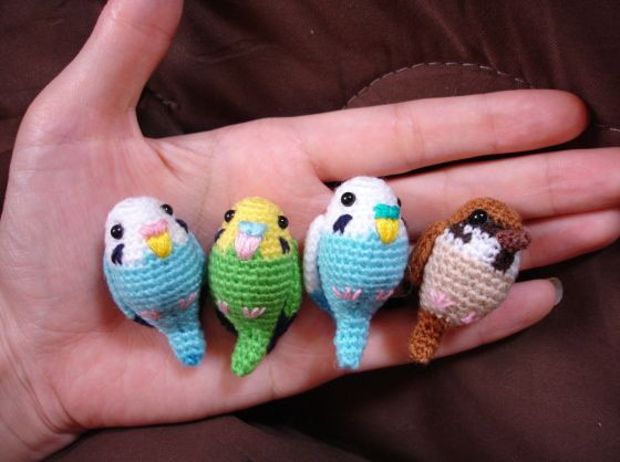 crochet parakeets and sparrow.