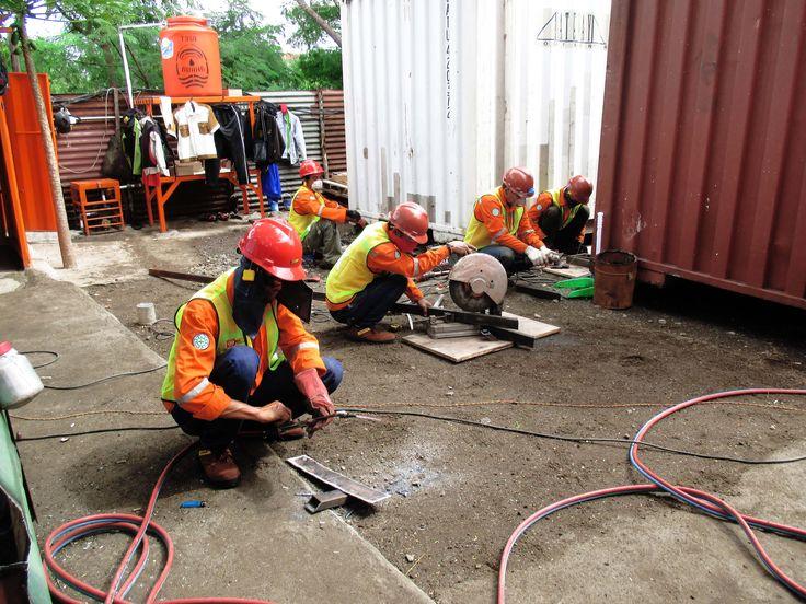 Solusi Cerme Container dapat merubah fungsi container cargo menjadi tempat tinggal pasca bencana bagi korban bencana alam. Kami bisa memodifikasi ulang container cargo menjadi sebuah struktur bangun untuk menjadi tempat tinggal sementara.