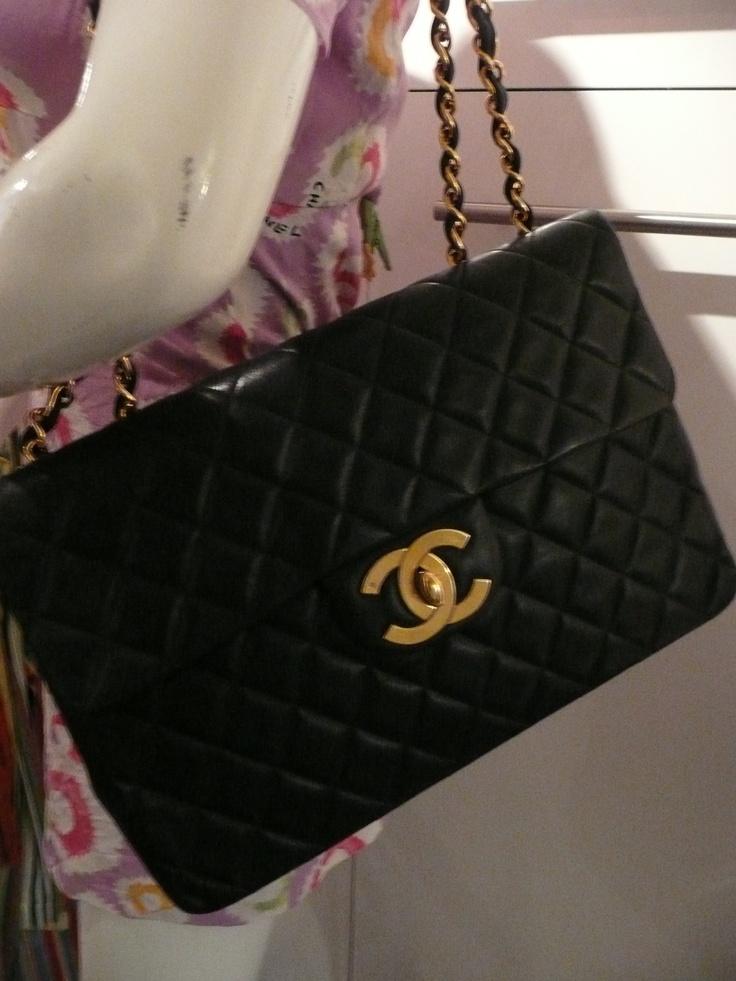 chanel uk. chanel vintage maxi jumbo flap \u003d from redheadgirl2010 of ebay http://myworld chanel uk
