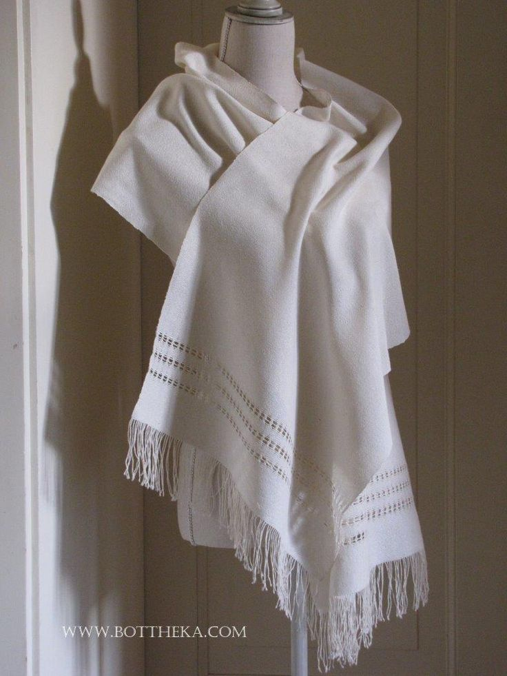 Weaved organic silk stole with ajour decoration http://bottheka.com/en/etoffe-ajouree