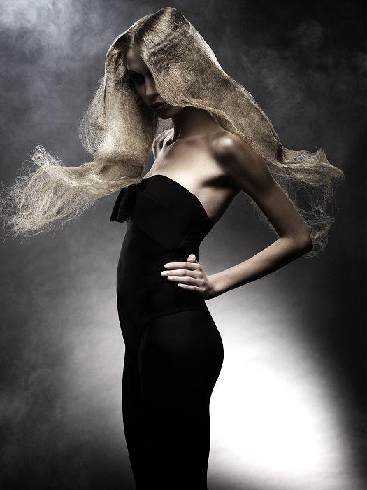 Brooks&Brooks long blonde Hairstyles