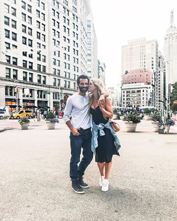 I travel so much solo it feels amazing to have @davebaez in NYC with me on this trip. Something about walking hand & hand in this city that feels so romantic 💕💕 BTW head to my stories for a mini tour of @kimptonnyc #kimptonnyc #kimptonink48hotel