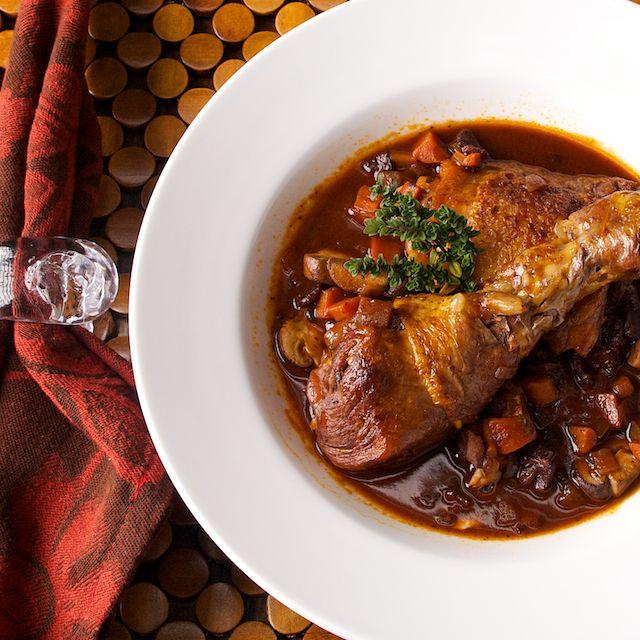 Coq au vin | It tastes like chicken | Pinterest