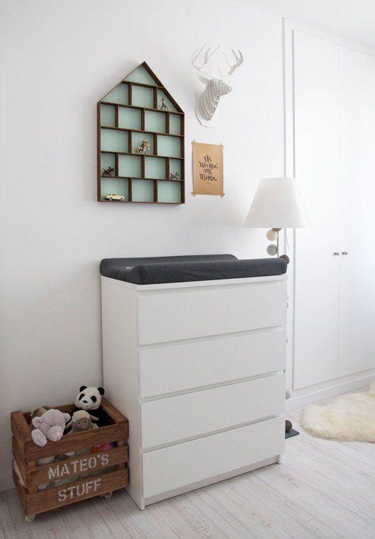 www.yourbox.bigcartel.com . Caja de Your Box en la habitación de Mateo. Foto: Macarena Gea