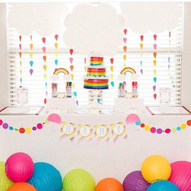 Festa Arco-íris super fofa, adoro! Por @lilianhopedesigns  #kikidsparty