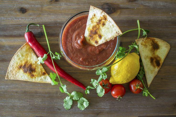 Dit nacho's + salsadip recept is erg geliefd bij mijn vrienden. Leek voor een gezellig avondje! :)