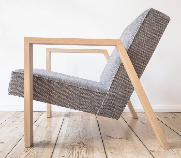 The characteristic reclined angle provides the Pontier N°1 #chair a comfortable and firm sitting position. #makalit #homedecor #interieur #interiør #vtwonen #eigenhuiseninterieur #designlove #designlovers #trend #architecture #instacool #architecturaldigest #adgermany #design