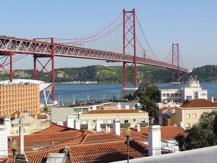 File:Lisboa e ponte 25 de Abril a partir do miradouro de Santo Amaro (22 Junho 2011).jpg