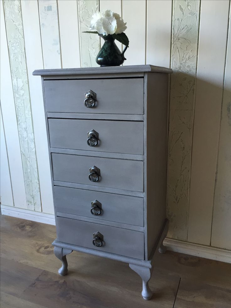 Queen Anne-style drawers, painted in ASCP French Linen with Original wash on top, sealed with Annie's soft white wax, and buffed to a soft sheen.