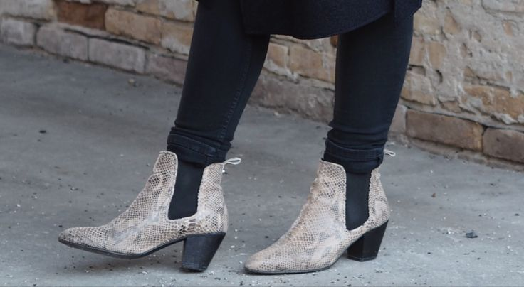 Beate boots in snake. WHAT a pretty sight! Click on pic for more!