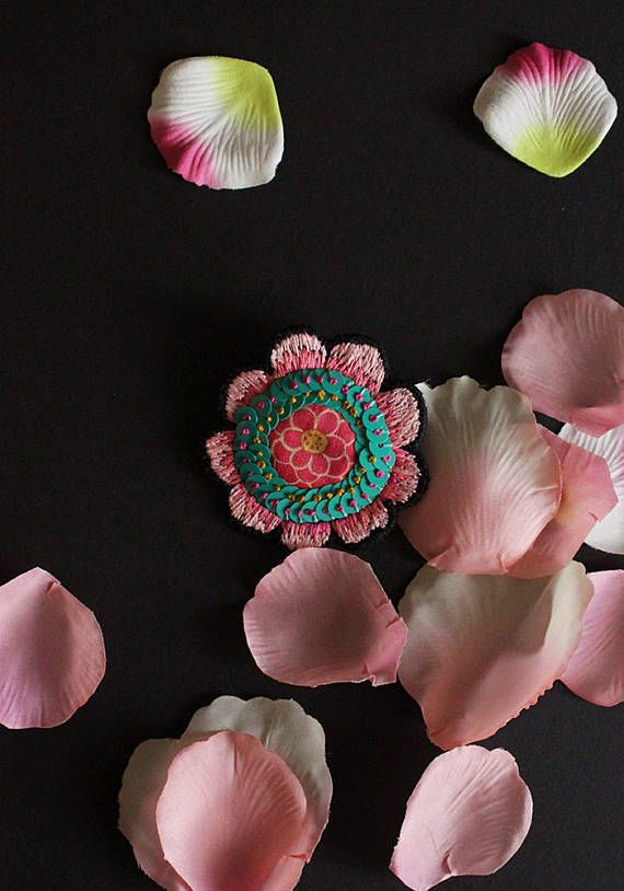 "Embroidered flower brooch ""Keiko"" by MinaSmoke"