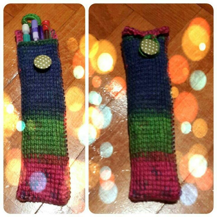 Crochet pencilcase