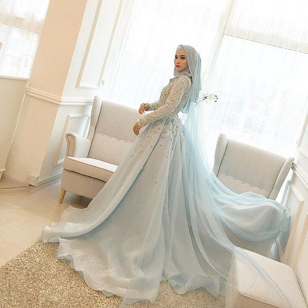 Credit photo by @leeyanarahman.co . A princess theme! I love it  #kahwin #bridesmaidMY #bridesmaidinspiration #bridesmaidmakeup #bridesmaidduties #bridesmaidgown #bridesmaids #bridesmaidmalaysia #igers #sanding #tandang #nikah #bridesmaidshawl #bridesmaidtobe #pameranpengantin #pelamin #bajunikah #bridesmaidstyle #bridesmaidswag #hantaran #wedding #instagram #weddingdress #weddingphotographer #weddingreception #weddinggown #weddingku #weddingideas #wedding #dulanggirls #bridesmaidforever…