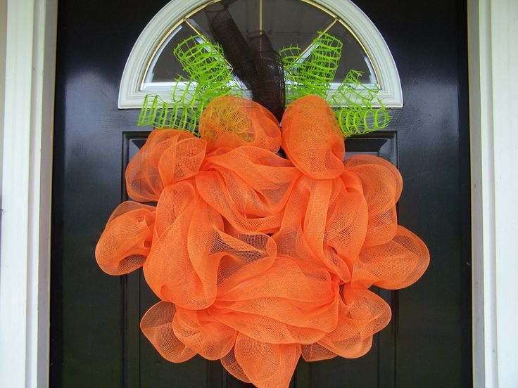 Fall door decor: Mesh Front, Doors Decor, Pumpkin Wreaths, Halloween Pumpkin, Front Doors, Doors Pumpkin, Boutiques Deco, Deco Mesh, Handmade Boutiques