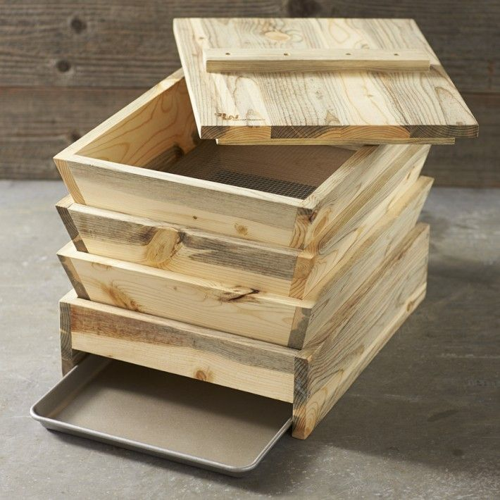Worm Box Turns Your Green Food Scraps Into Compost Stack