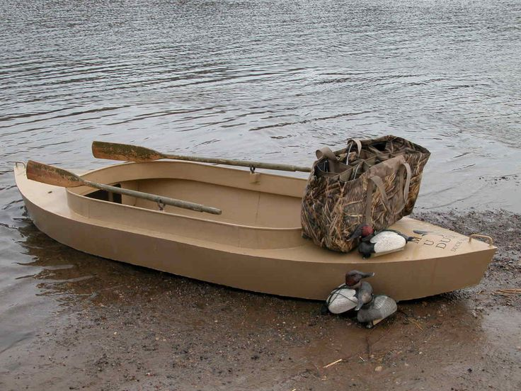 """Looks like a vintage Alumacraft """"Ducker""""   Hunting   Pinterest   Plywood boat, Duck boat and ..."""