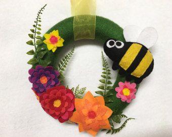 Bee krans met de kroon van de zomer, Honey Bee, Bumble Bee, bloem deur hanger, gastvrouw geschenk Housewarming, kunst aan de muur, muur opknoping
