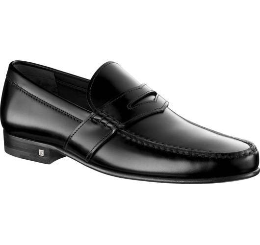 Louis Vuitton men's Santiago loafer in Damier Embossed Leather     This timeless loafer in finest calf leather looks right for all occasions. The Damier-emb