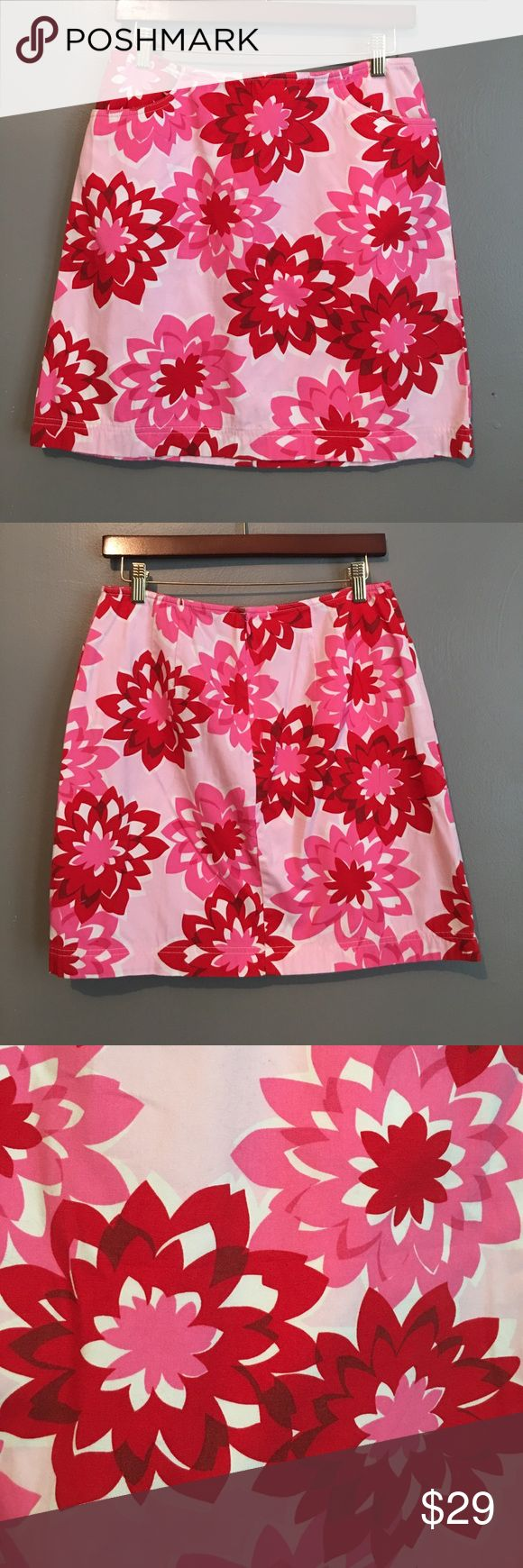 Ann Taylor LOFT Skirt Ann Taylor Loft Floral Skirt, Size 6. 100% cotton. Beautiful Skirt with flowers front and back. It has pockets on the sides, and a zipper on the back. As shown on photos. Perfect for the summer! Feel free to make an offer. No trades. LOFT Skirts