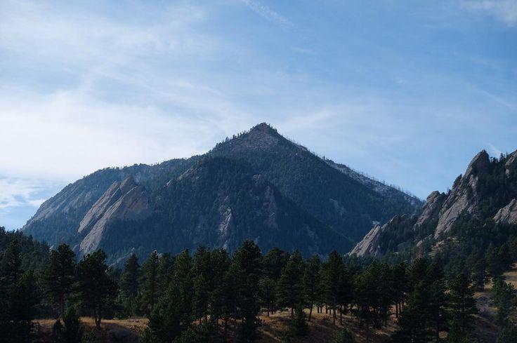 Bear Peak. Draws me in. . . . . #hiking #hikingadventures #hikinginboulder #hikingincolorado #boulderhikes #bearpeak #bearpeakhike #colorado #coloradohikes #coloradohiker #coloradolife #boulderco #bouldercolorado #boulderhike #hikingday #hikingdays #hikingtime #hikingviews