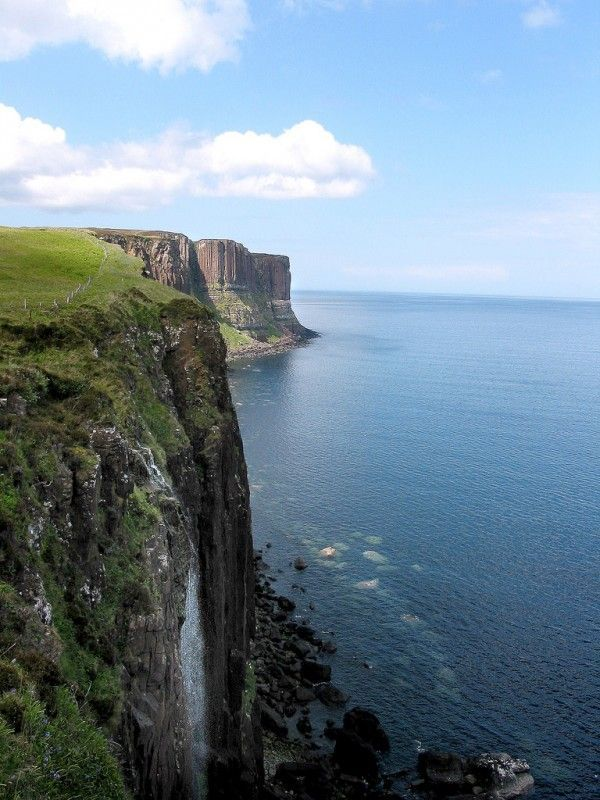 25 Things to do in Scotland Kilt Rock, Isle of Skye