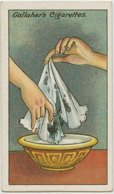 Puneți țesătura cu pete de cerneală în lapte pentru 15-20 de minute.