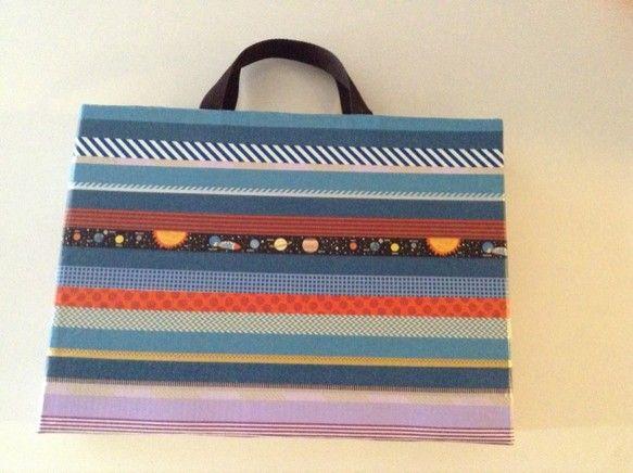 マスキングテープをベースにしたバッグです|ハンドメイド、手作り、手仕事品の通販・販売・購入ならCreema。