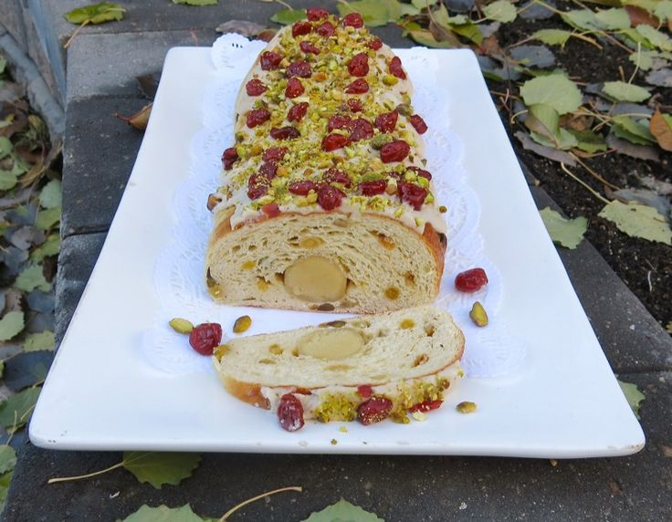 thermomix-stollen-log-decorated