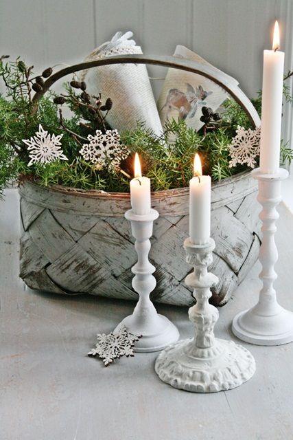 This makes a pretty winter tablescape, as well as Christmas display. viavibekedesign.blogspot.com