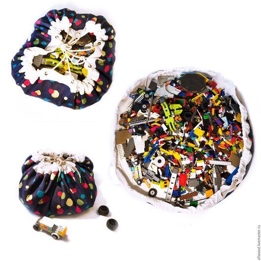 Очень удобный мешок для лего (Lego). Видны все детали, не нужно рассыпать детали на пол, чтобы все разглядеть. Очень легко убирать после игры ребенка  тысячи деталей. Одним движением руки мешок затяги