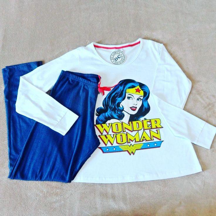 Finalmente comprei meu pijama de mulher maravilha. Estava com um preço muito bom nas Lojas Pernambucanas. Foi só R$ 49,90, bom heim?  .  .  .  #mulhermaravilha #wonderwoman  #blogueirashorion #dspbllog #pijama #pijamas #conforto #panelaobgs #hot #fun #julyeverq #fashion #horadedormir #soneca #blogquadrofeminino #interSSB #instafashion #fashiongram  #geek #nerd #comics #dccomics #DC #hero #superhero
